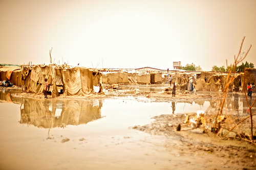 Floodingoutside Khartoum, Sudan 2009 (image by sidelife, used under creative commons)